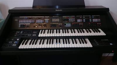 Organo Technics SX-G6 con libretto