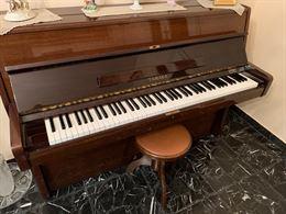 Pianoforte a muro Tamaka