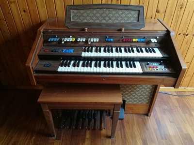 Organo Farfisa primi anni '80